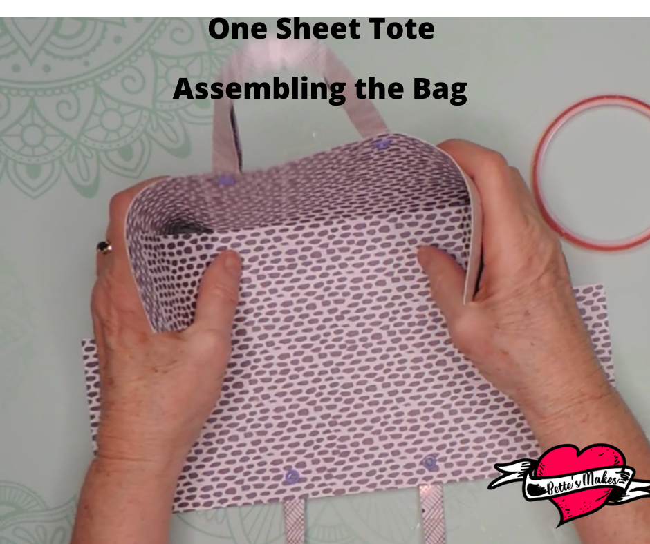 One Sheet Tote Assembling the Bag